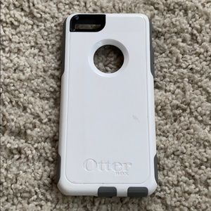Used Otterbox white iPhone 6/6S case, break-proof